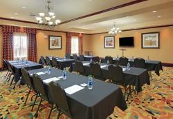 Holiday Inn Express Hotel & Suites Ennis