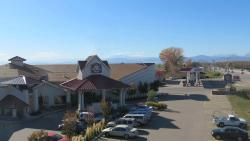 Best Western Crossroads Inn & Conference Center
