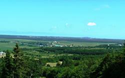 Vue sur les terres agricoles et les tourbières, Belvédère de la Croix