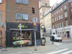 Green & Yellow Restaurant