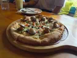 Luau Pizza