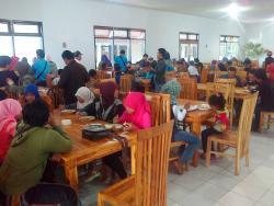 Mahajaya Diponegoro Oleh-Oleh & Resto