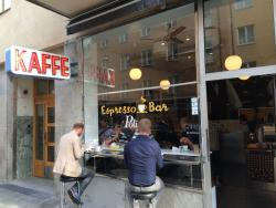 Caffe  Poli