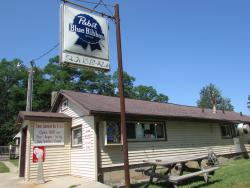 ‪Drews Lakeside Bar and Grill‬