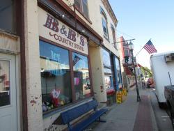 B & B's Country Store