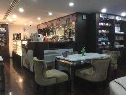 Liwa Plaza Cafe