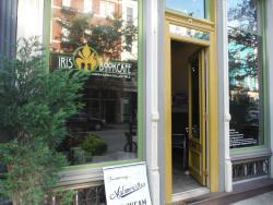 Iris Book Cafe