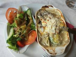 my dinner...baked pasta with side salad :)