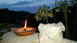 Cene a lume di candela sulla terrazza panoramica...