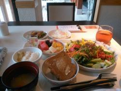 Yaya Dining