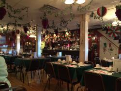 Bova's Restaurant & Pizzeria