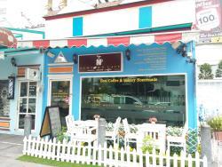 Newtown Cafe at Sukhumvit21
