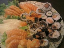 Yukusue Sushi - Culinaria Japonesa