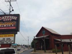 ‪Catfish City and BBQ Grill‬