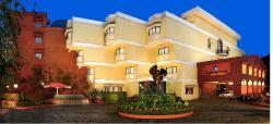 沙利文法院财富酒店