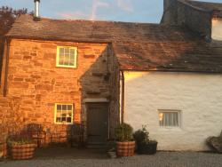 Red Sky at Night, Shepherds Cottage Delight