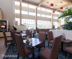 Restaurant at the Embassy Suites West Palm Beach - Central