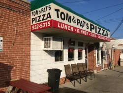 Tom's & Pat's Pizzeria