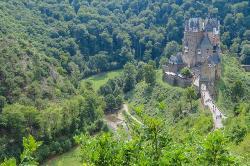 Zur Burg Eltz