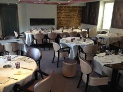 Hotel Restaurant Les Platanes