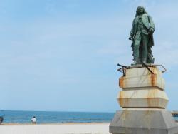 Statue of Marquis Dupleix