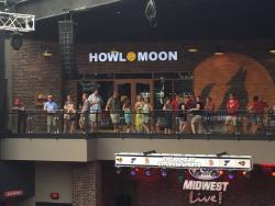 Howl at the moon Saint Louis