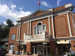 ‪Palace Theater‬