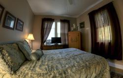 New York House Bed & Breakfast