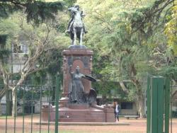‪Plaza Republica de Chile‬