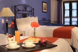 Ciros Hotel