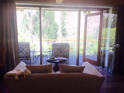 Excelente hotel, desde a reserva feita pelo booking eles mantiveram contato para nos auxiliar. L