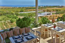 Aroma Avlis - Food & Wine