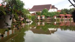 Daknong Lodge Resort