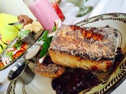 Breakfast at Don Manuel