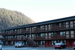 Driftwood Hotel