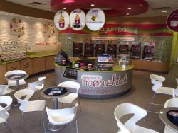 ‪Menchie's Bristol Plaza‬