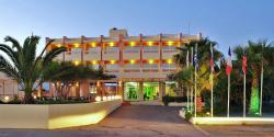 ティリソス ビーチ ホテル