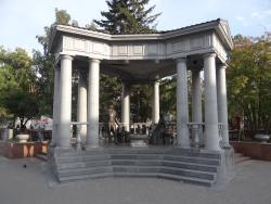 Monument to Pushkin and Goncharova