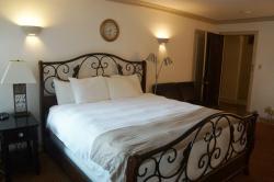 Junior Suite - King Bed
