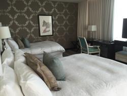 Suite 1051