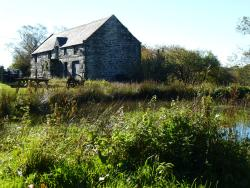 The Barn, Dinas