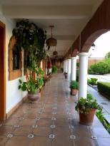 El Porton Inn Hotel