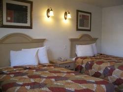 Glen Capri Inn & Suites - Colorado Street