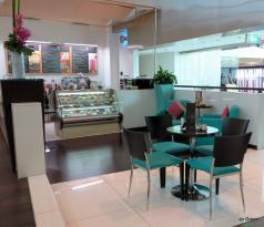 Vanilla Cafe & Lounge