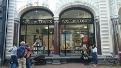‪Waterstone's‬