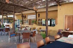 Courtyard Restaurant Botswanacraft