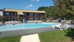 Country Inns Motel