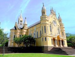 Igreja Matriz São João Batista e Santuário de Nossa Senhora Aparecida