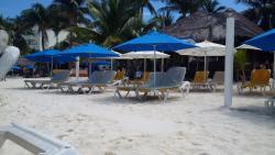 Chichi's 'n Charlies Beach Club