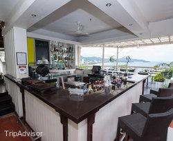 The Cliff Restaurant & Bar at the Centara Villas Phuket